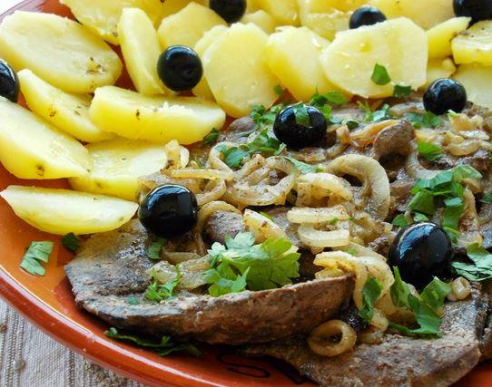 Iscas de Porco com Batatas