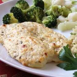 Peixe grelhado com queijo