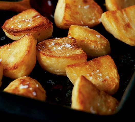 Batatas assadas com queijo cheddar