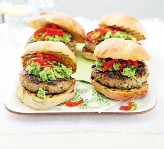 Hamburger de peru com coentro e guacamole