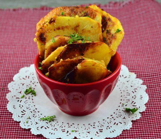 Batatas ao alho e parmesão