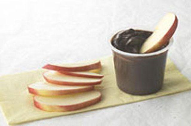 Pudim de chocolate com maçã