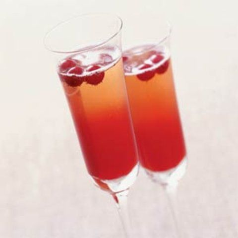 Cocktail de champagne com cranberry