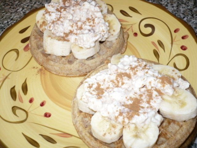 Pão com banana e queijo