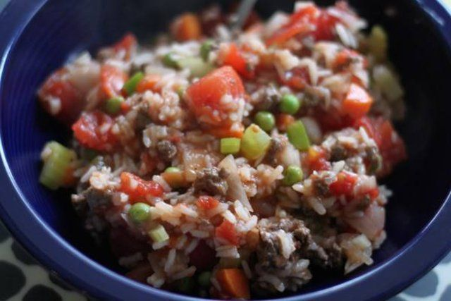 Cozido de arroz com carne moída