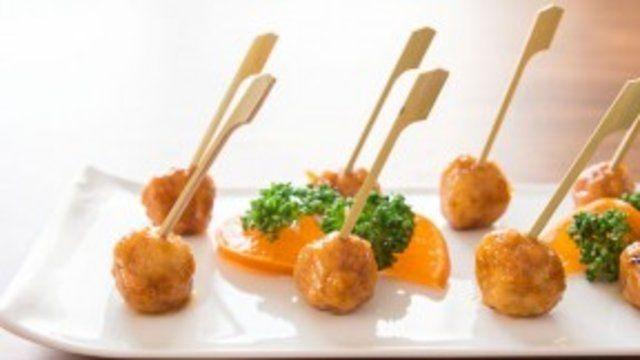 Almôndegas de frango com molho de laranja