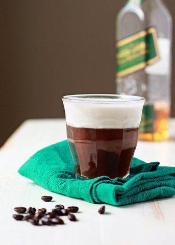 Café com uísque e chantilly de coco