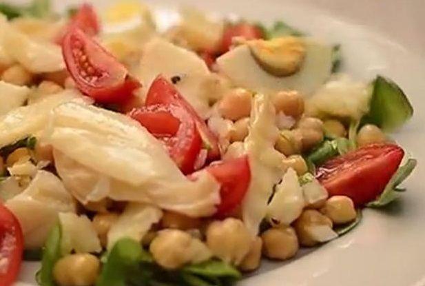 Salada de Bacalhau com Grão e Rúcula