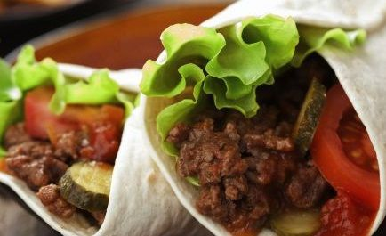 Burrito de Carne com Tomate