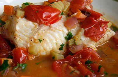 Filé de Pescada ao Molho de Tomate