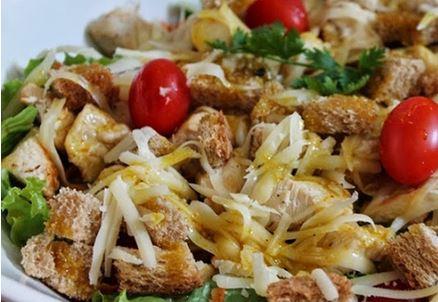 Salada de Frango com Molho de Mostarda e Mel