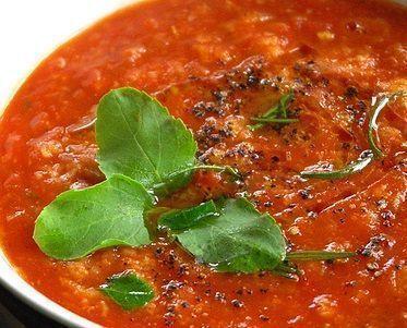 Sopa de frango com tomate