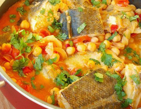 Bacalhau com Grão de Bico e Tomate