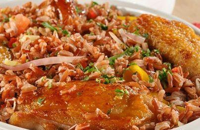 Galinhada com arroz vermelho