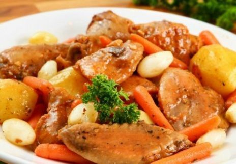 Frango à passarinho com legumes