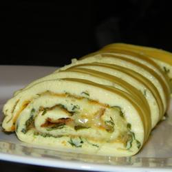 Omelete assada em formato de rolo