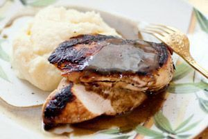 Peito de frango com laranja e purê de batatas