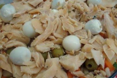 Salada de feijão fradinho e bacalhau