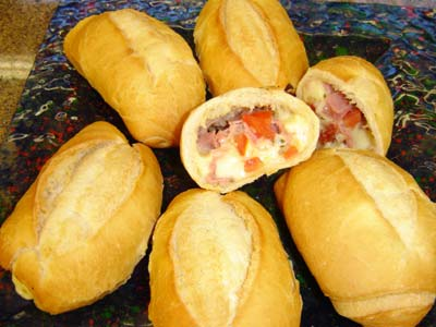 Pão Frances Recheado com Tomate e Queijo
