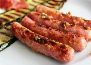 Salsichas frescas de peru com mostarda