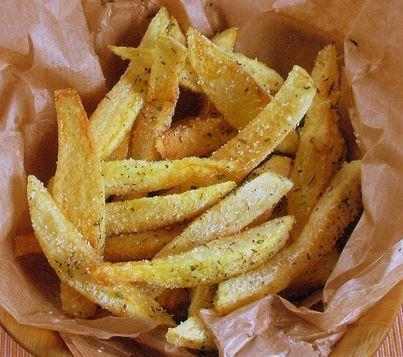 Batatas fritas com parmesão e Ervas