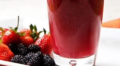 Suco de Frutas Vermelhas com Limão