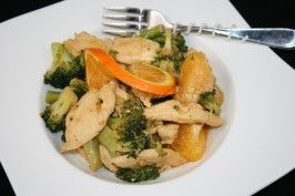 Frango com laranja e brócolis