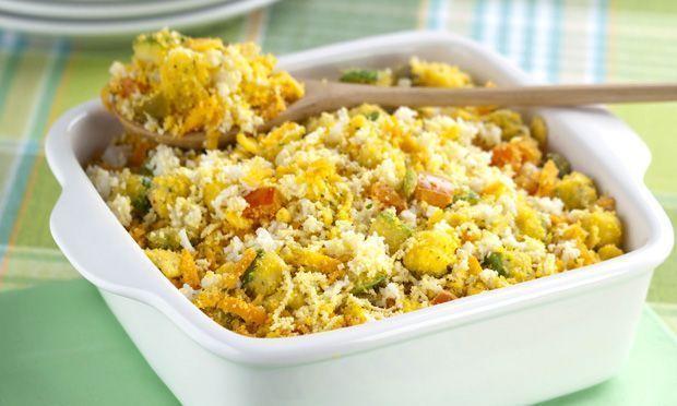 Farofa de ovos com legumes