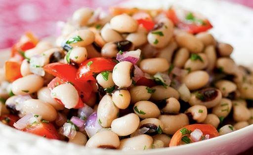 Salada de Feijão Fradinho e Tomate
