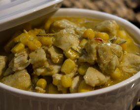 Curry de peito de frango com milho verde