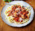 Espaguete de almôndegas e molho de legumes