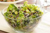 Salada verde com cranberries
