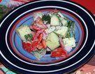 Salada cremosa de pepino e tomate