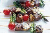 Espetos de carne com vegetais
