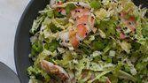Salada de repolho com camarão