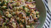 Salada de pepino e lentilhas