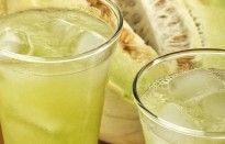 Suco de melão com chá verde