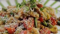 Salada de Camarão com Amendoim e Manga Verde
