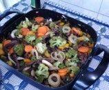 Tiras de carne chinesa com legumes